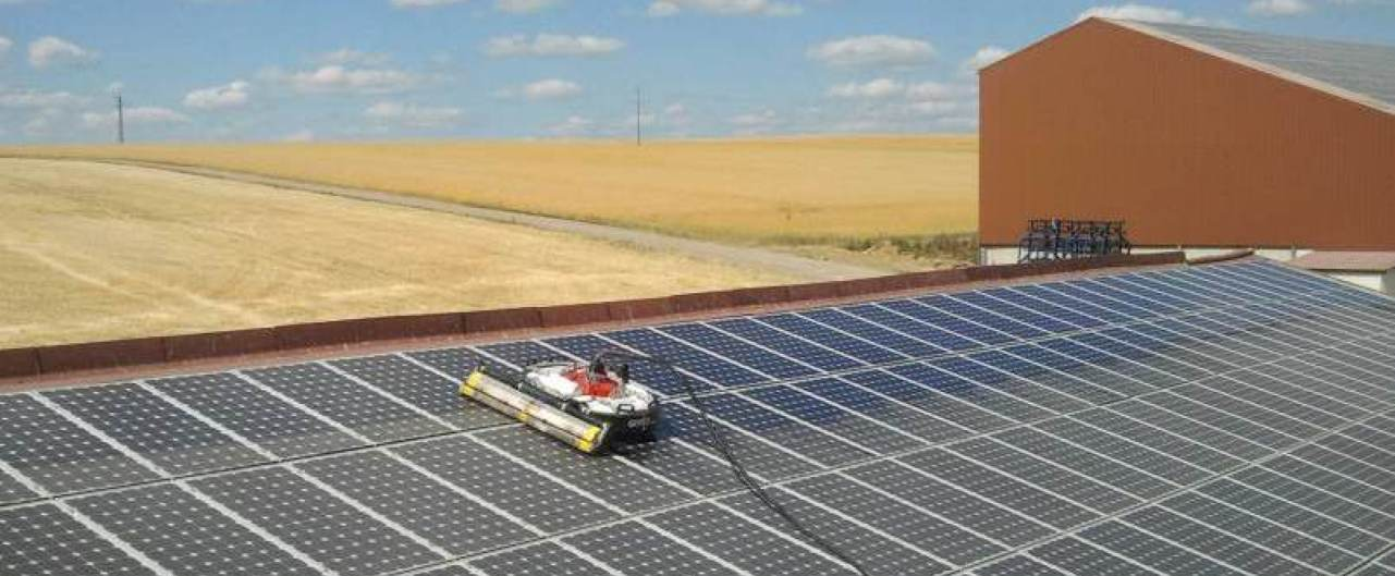 Solar Panels Cleaning